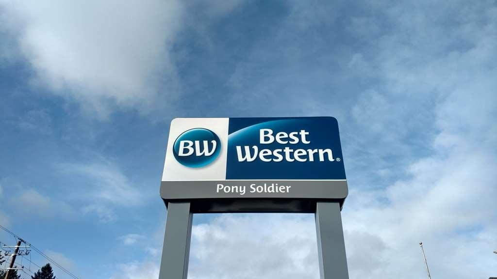 Best Western Pony Soldier Inn - Airport - Außenansicht