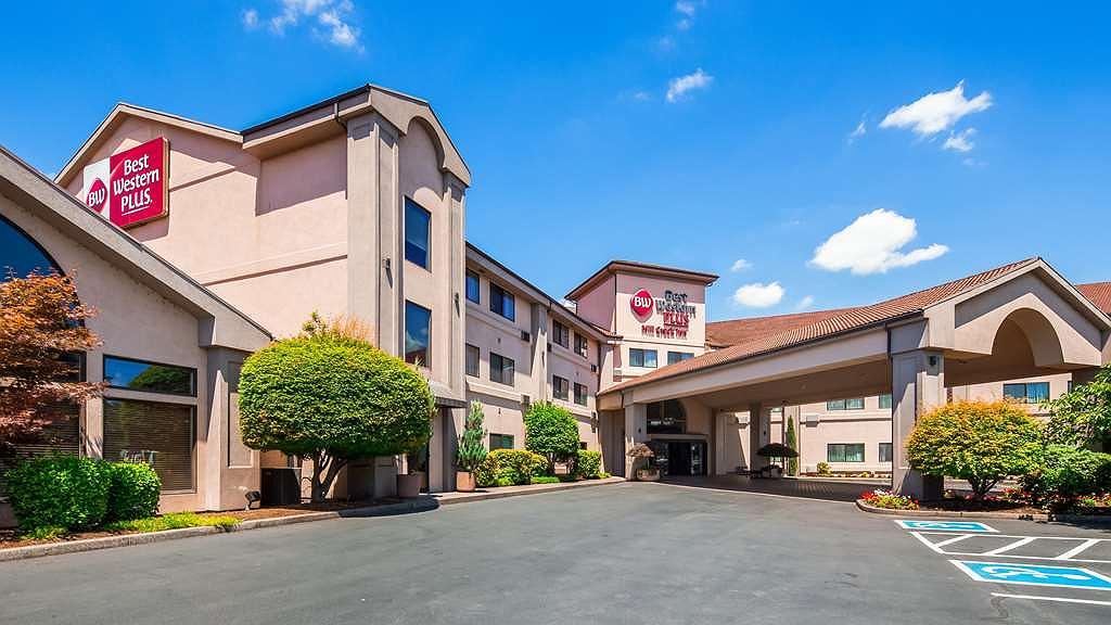 Best Western Plus Mill Creek Inn - Area esterna