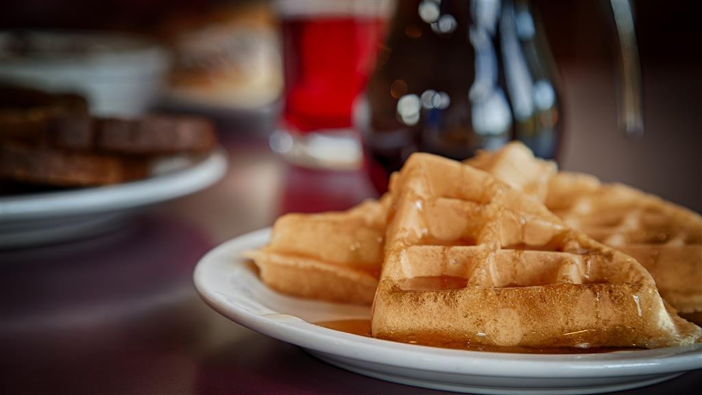 Best Western Salbasgeon Inn & Suites of Reedsport - Prima colazione a buffet