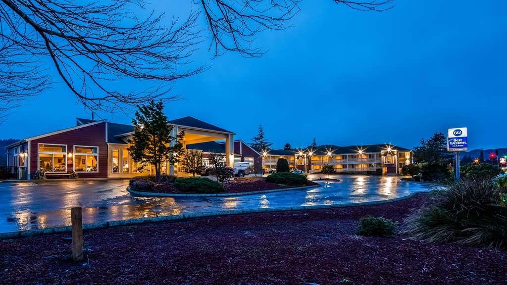 Best Western Salbasgeon Inn & Suites of Reedsport - Vista Exterior
