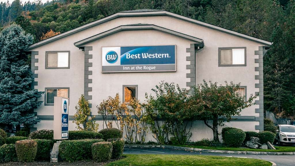 Best Western Inn at the Rogue - Facciata dell'albergo