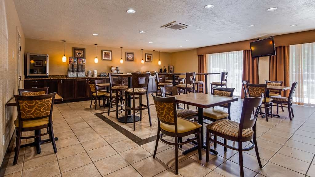 Best Western Grand Manor Inn - Breakfast Area