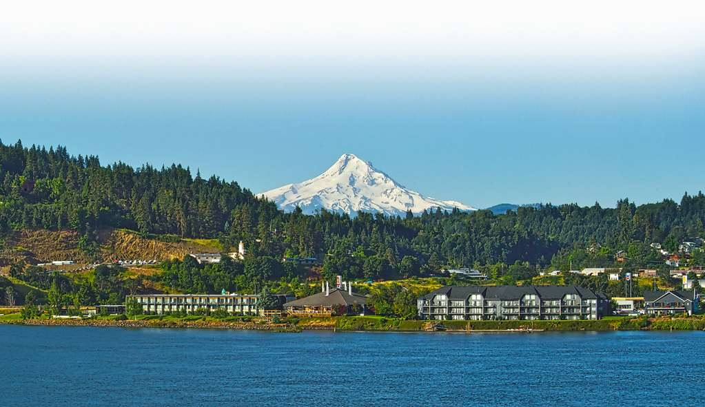 Best Western Plus Hood River Inn - Make yourself at home at the Best Western Plus Hood River Inn.