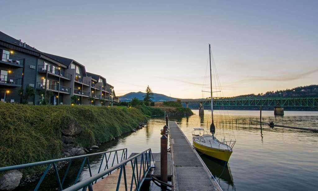 Best Western Plus Hood River Inn - Serene dock view on the Columbia River.