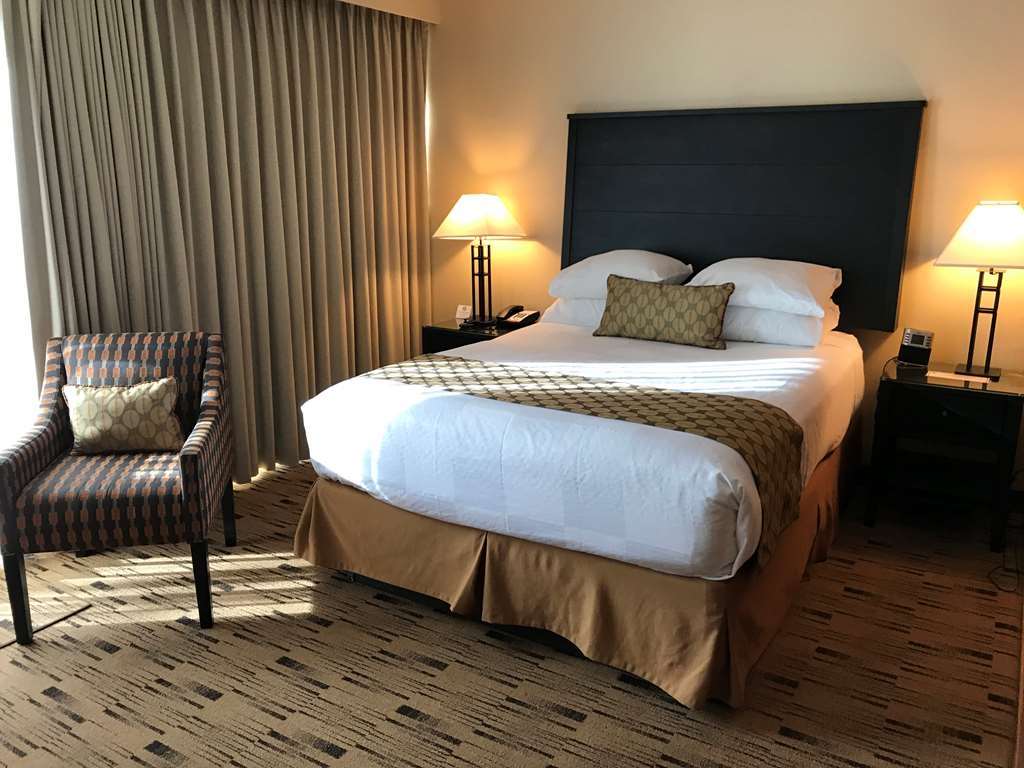 Best Western Plus Hood River Inn - A smaller room, with a discounted price possessing all of the amenities of a larger room.