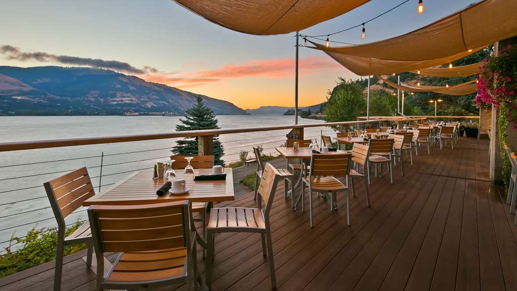 Best Western Plus Hood River Inn - Stunning views from our Riverside deck.