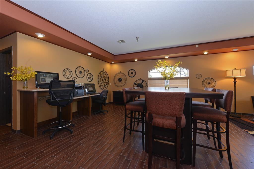 Best Western Plus Rama Inn - Vue du lobby