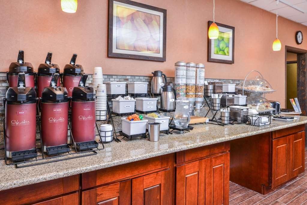 Best Western Plus Rama Inn - Frühstücksbereich