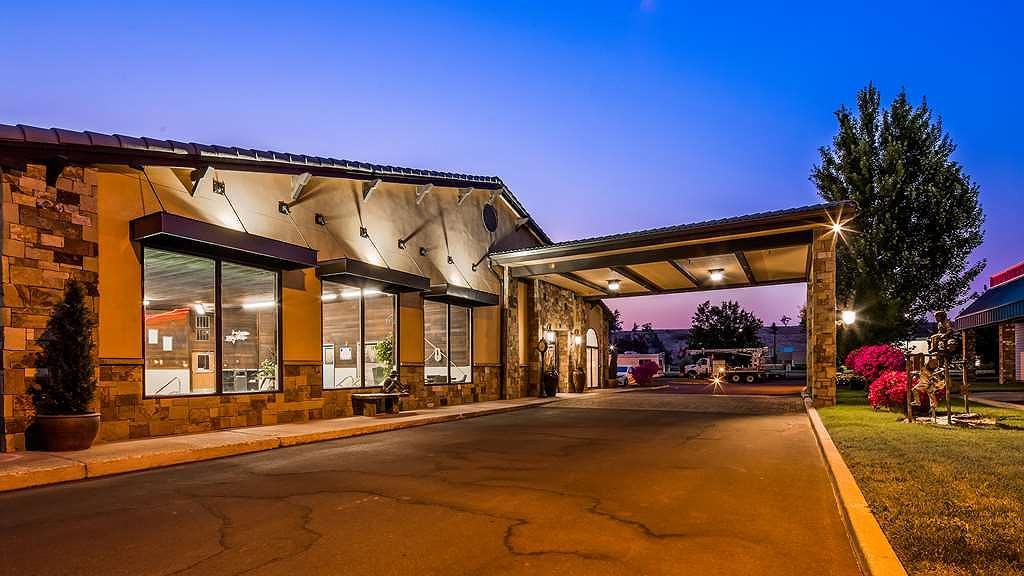 Best Western Prineville Inn - Façade