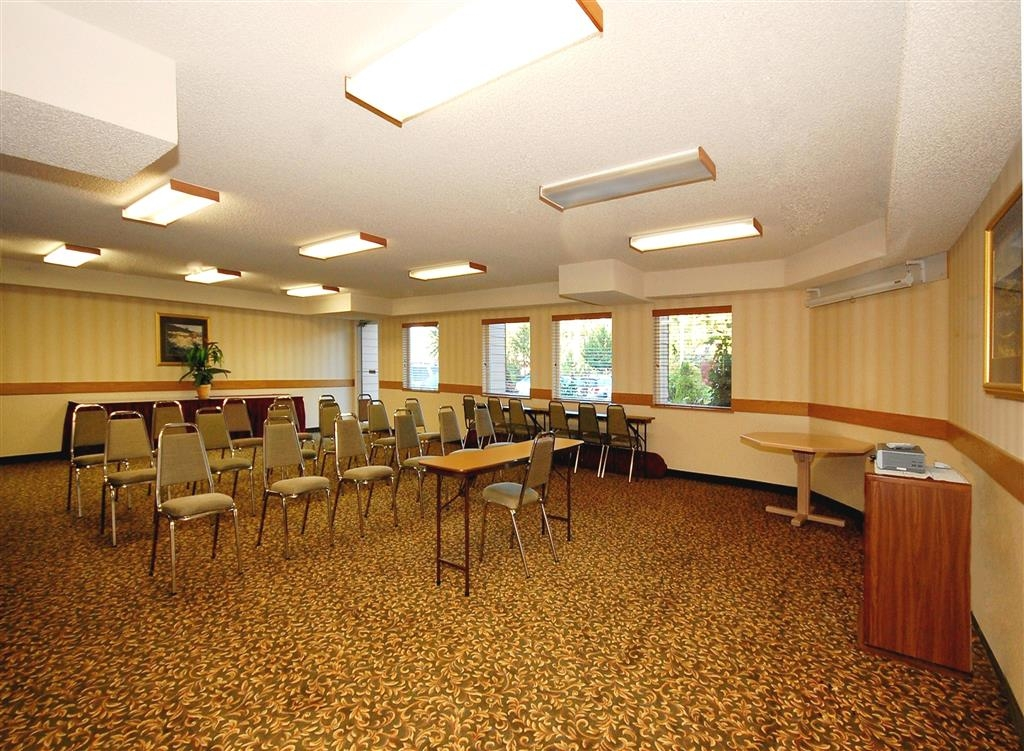 Best Western Plus Landmark Inn - sala de conferencias