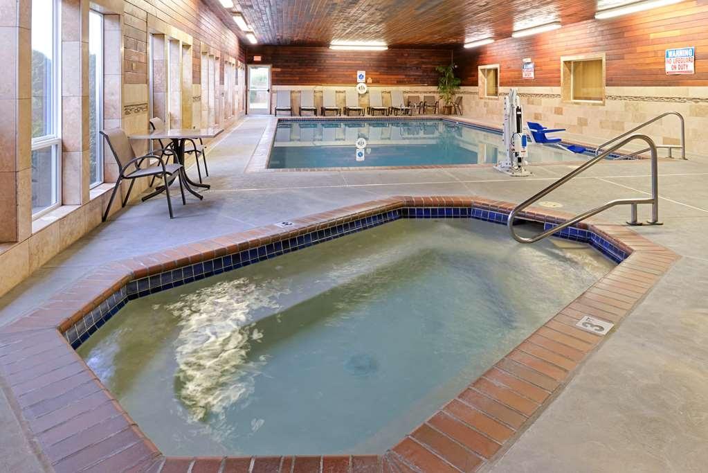 Best Western Plus Landmark Inn - bañera de hidromasaje