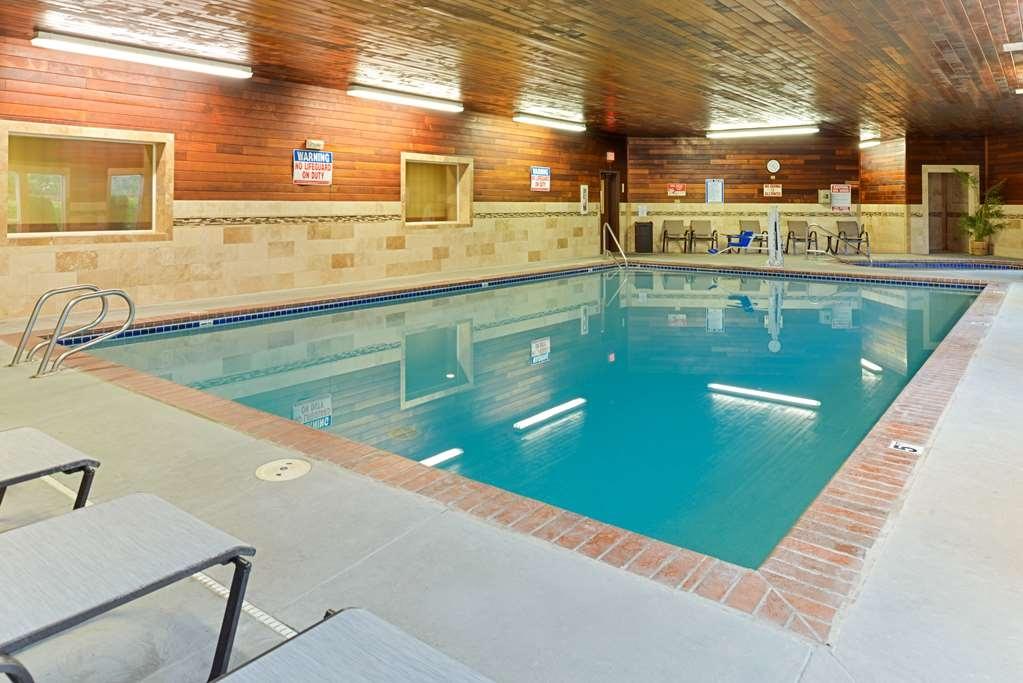 Best Western Plus Landmark Inn - Vista de la piscina