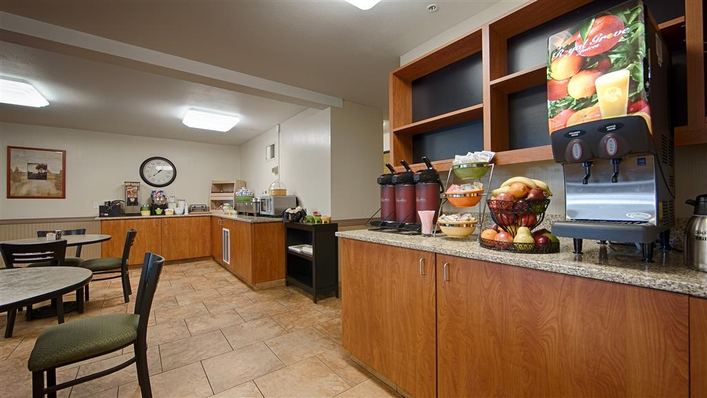 Best Western Oak Meadows Inn - Prima colazione a buffet