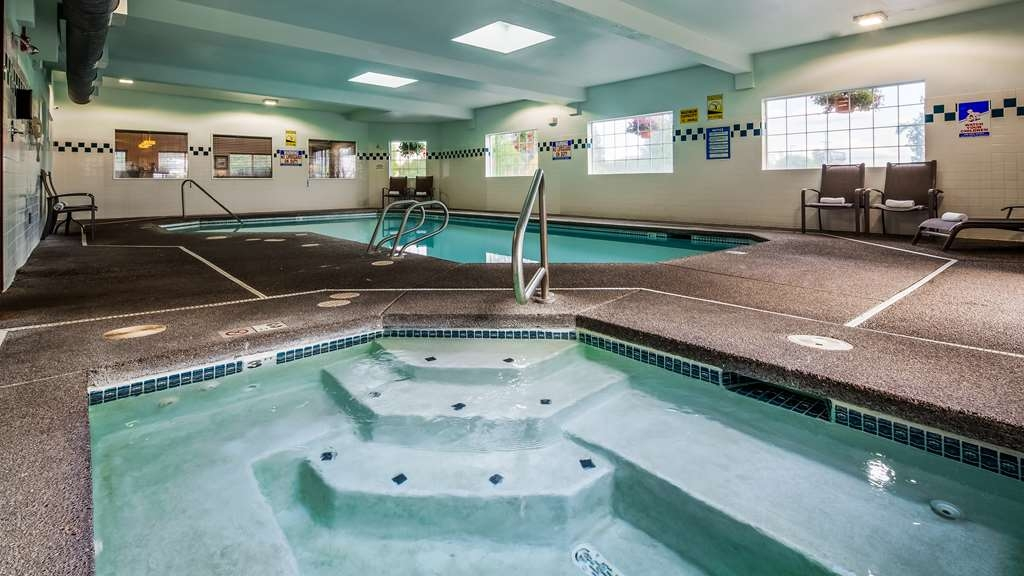 Best Western Oak Meadows Inn - Piscina