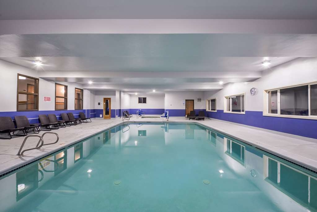 Best Western Newberg Inn - Piscina