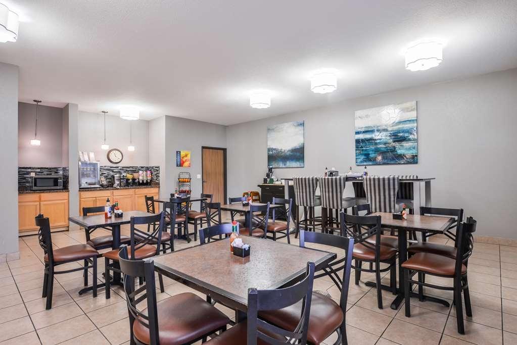 Best Western Newberg Inn - Breakfast Area