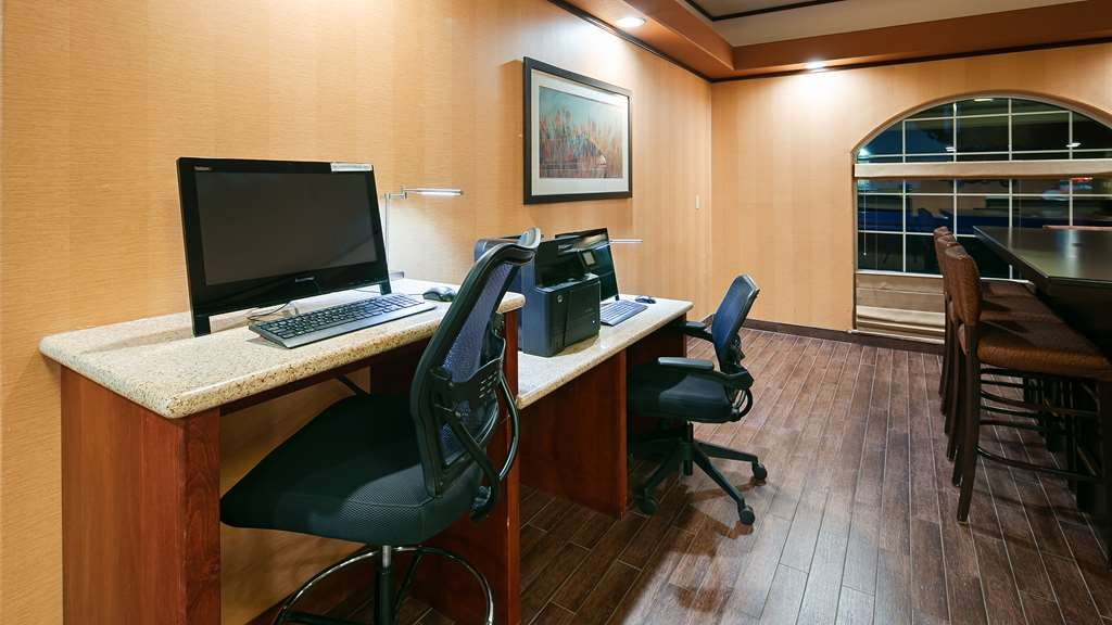 Best Western Plus Rama Inn & Suites - affari-centro