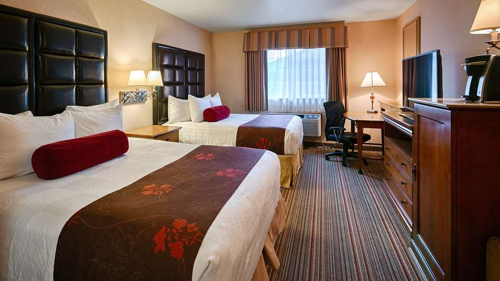 Best Western Plus Rama Inn & Suites - Suite