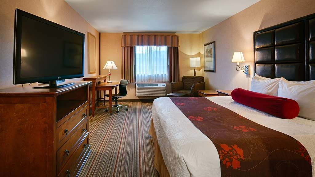 Best Western Plus Rama Inn & Suites - Enjoy your stay in our standard king guest rooms.
