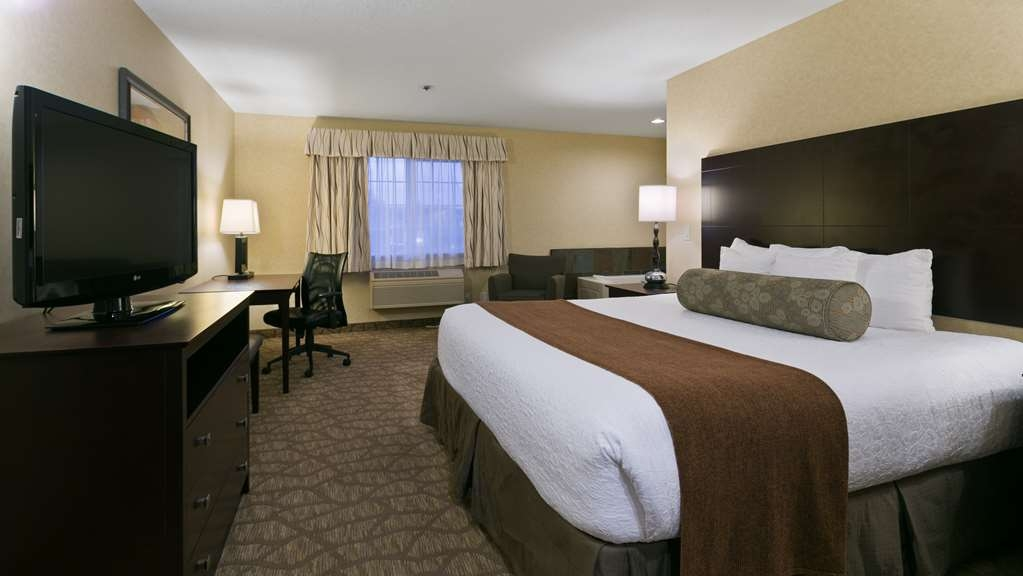 Best Western University Inn & Suites - King whirlpool room offers the privacy of your own whirlpool in the room.