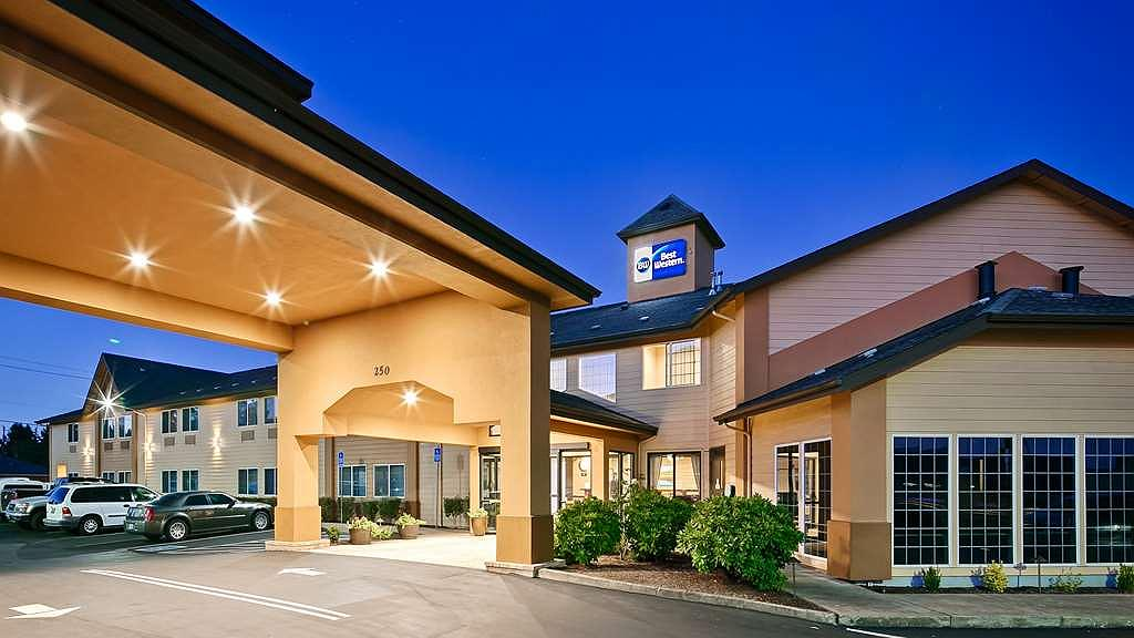 Best Western Dallas Inn & Suites - Aussenansicht