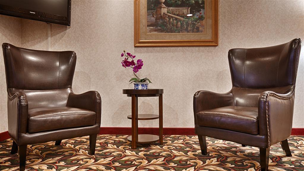 Best Western Dallas Inn & Suites - Lobbyansicht