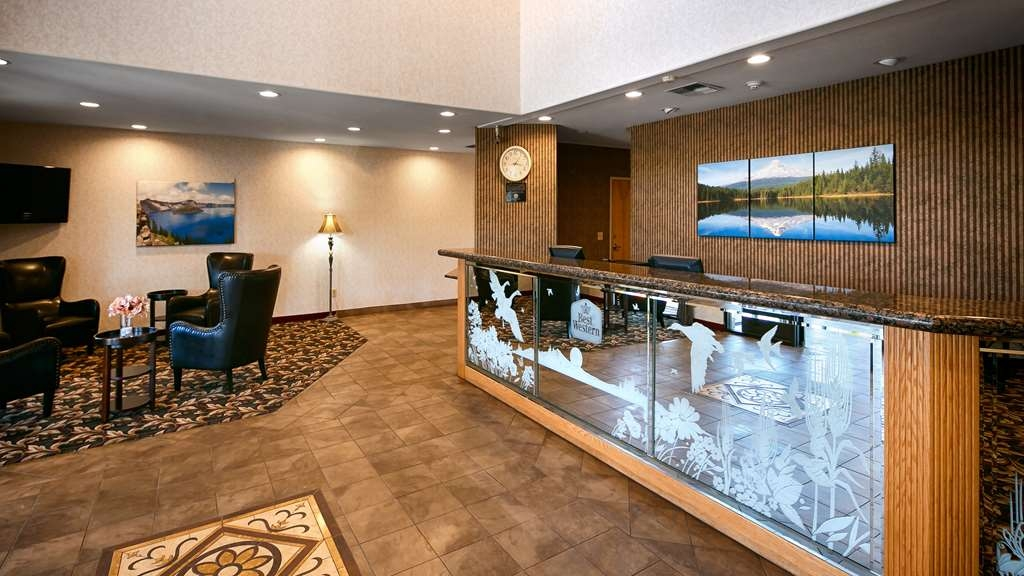 Best Western Dallas Inn & Suites - Vue du lobby