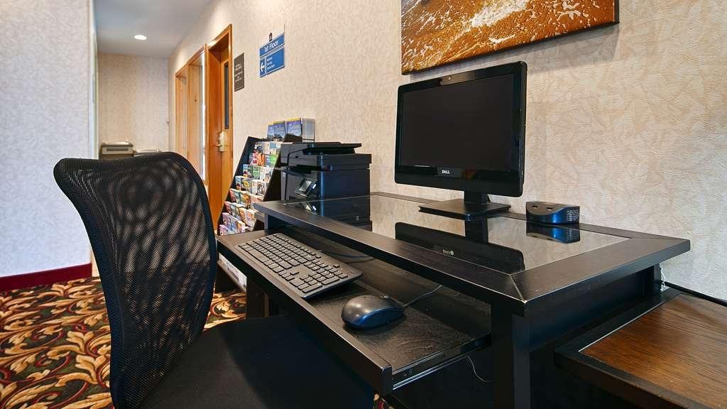 Best Western Dallas Inn & Suites - Geschäft-zentrum