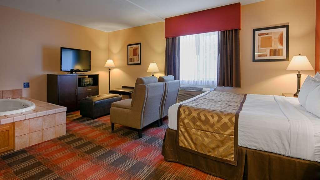 Best Western Dallas Inn & Suites - Gästezimmer/ Unterkünfte
