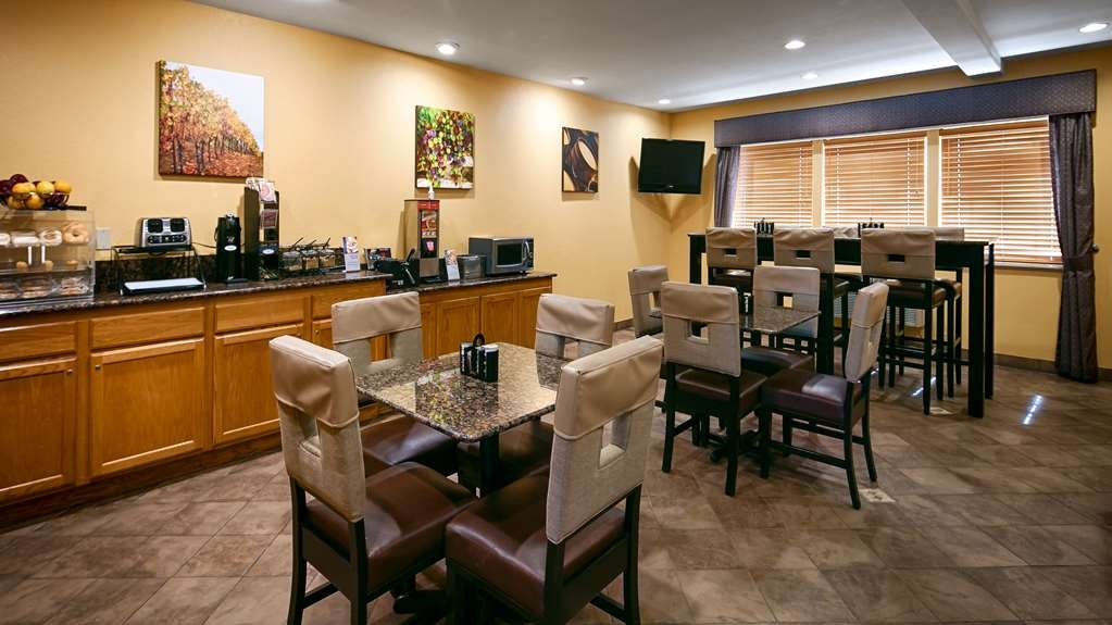 Best Western Dallas Inn & Suites - Frühstücksbuffet