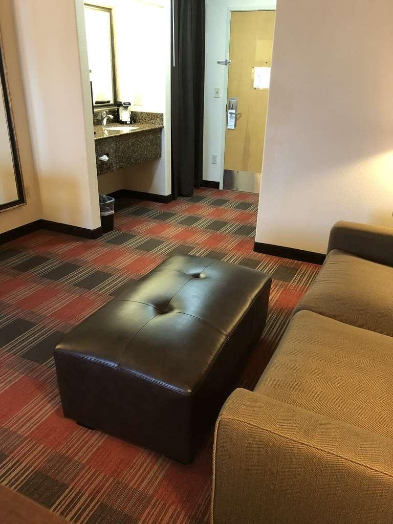 Best Western Dallas Inn & Suites - Suite