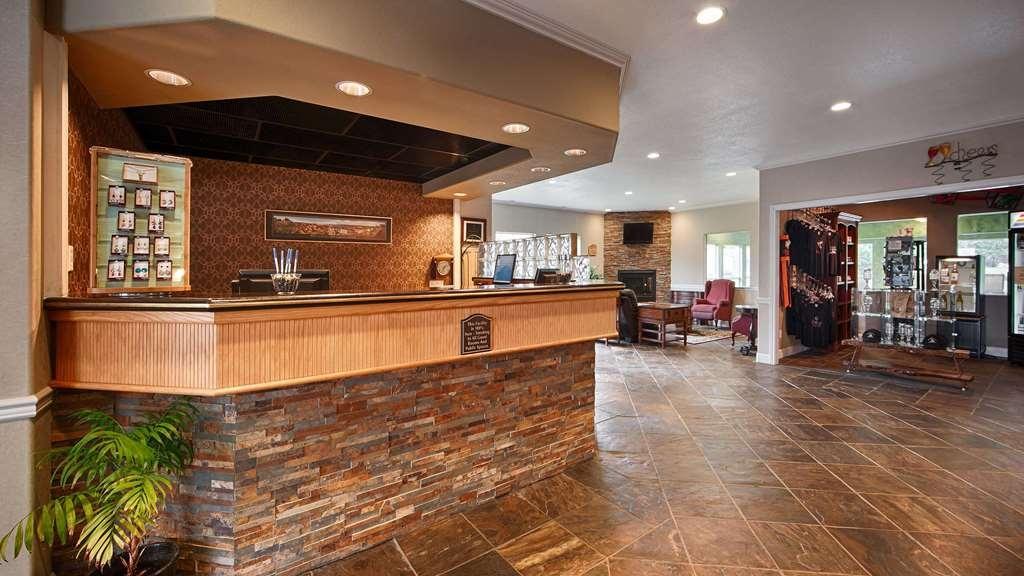 Best Western Inn at Face Rock - Réception