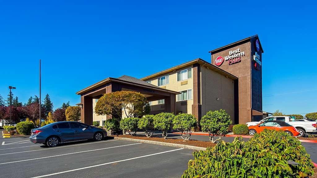 Best Western Plus Cascade Inn & Suites - Book your room today at the Best Western Plus Cascade Inn & Suites and be minutes from Multnomah Falls.