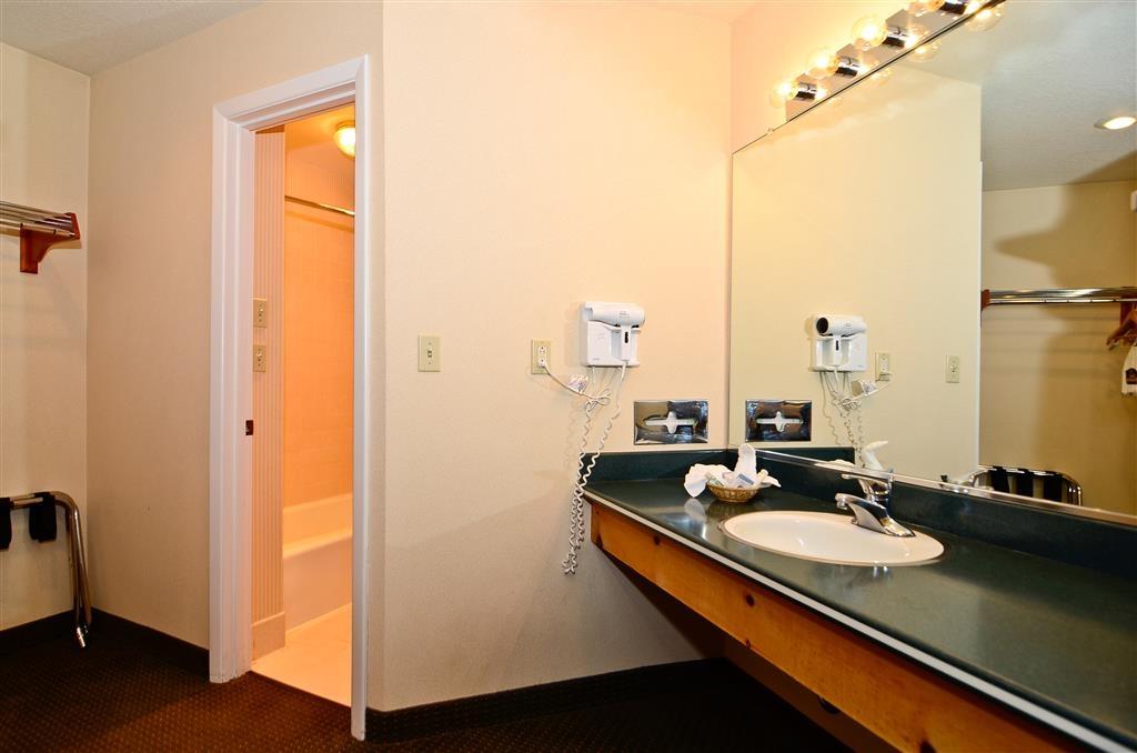 Best Western Horizon Inn - Suite Vanity