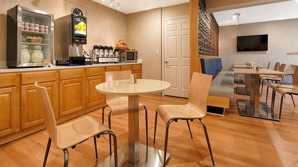 Best Western Horizon Inn - Enjoy the most important meal of the day in our comfortable breakfast area.