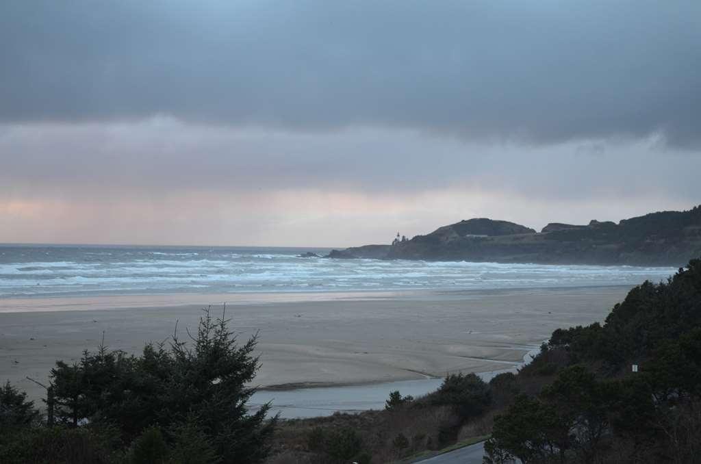 Best Western Plus Agate Beach Inn - Außenansicht