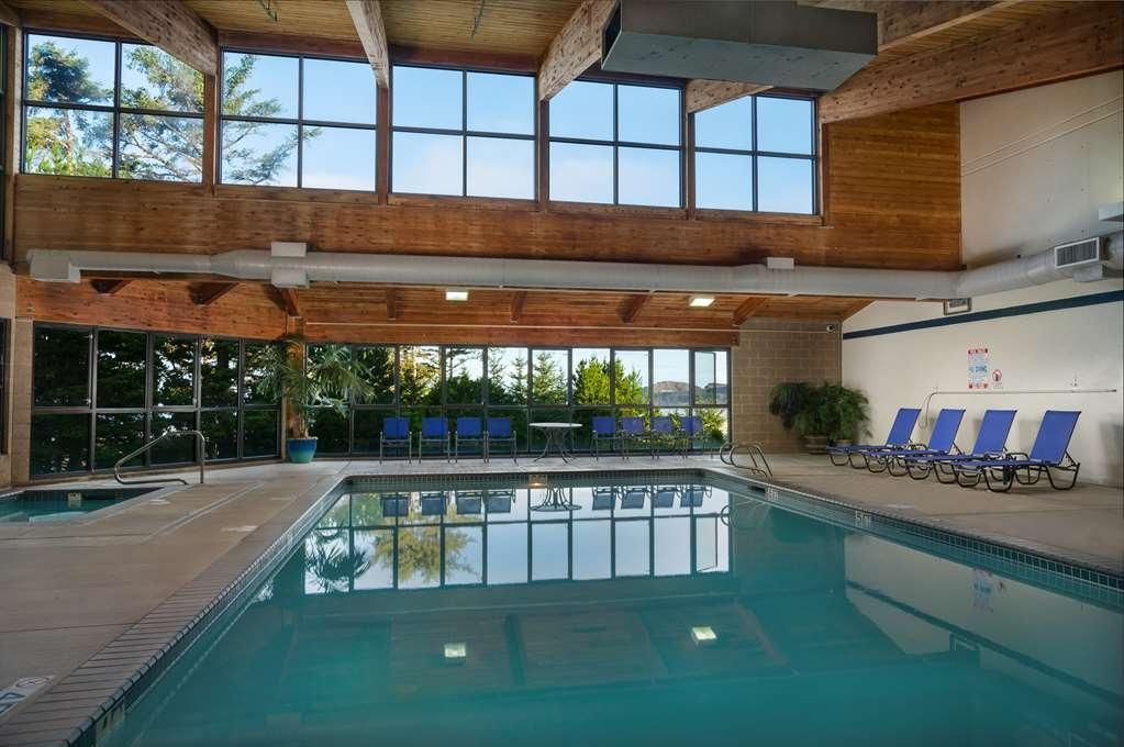 Best Western Plus Agate Beach Inn - Indoor Swimming Pool