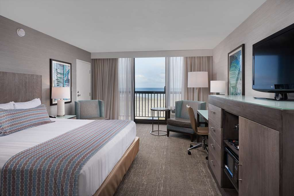 Best Western Plus Agate Beach Inn - Guest Room with a View