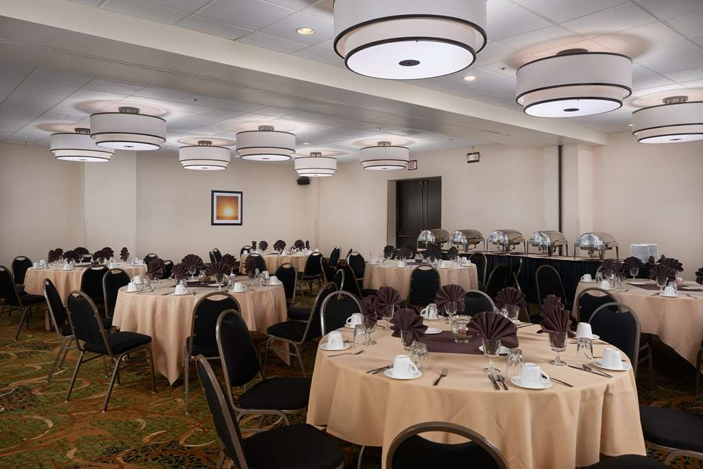 Best Western Plus Agate Beach Inn - Our ballroom set up, in banquet style with a buffet.