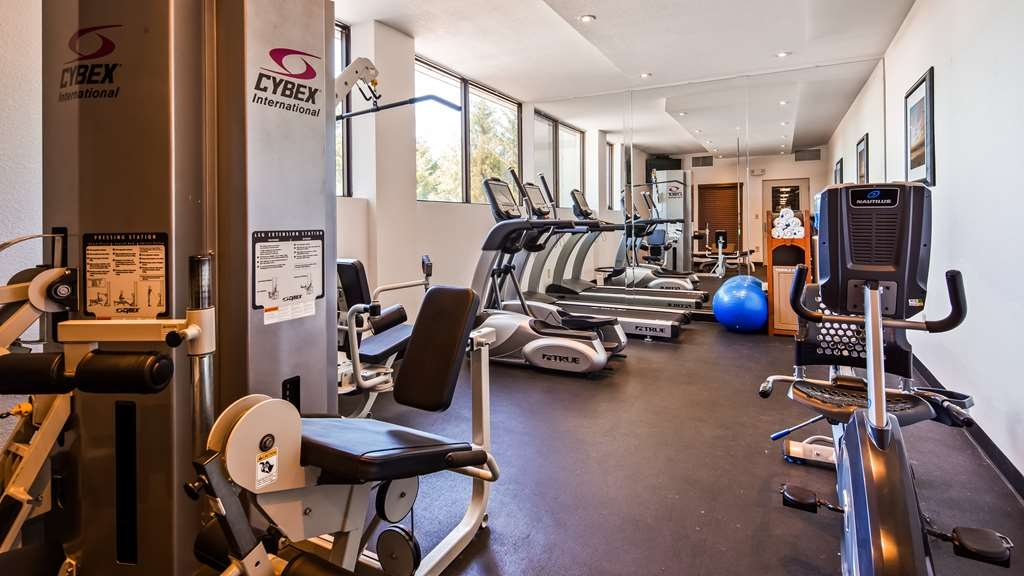 Best Western Plus Agate Beach Inn - Fitness Center