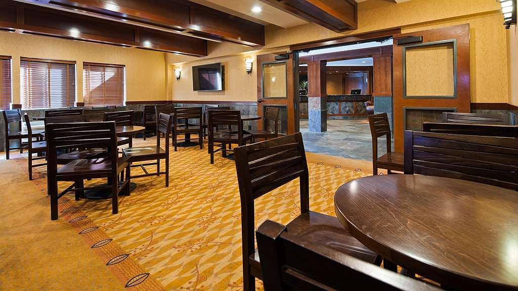 Hotel in Astoria | Best Western Astoria Bayfront Hotel