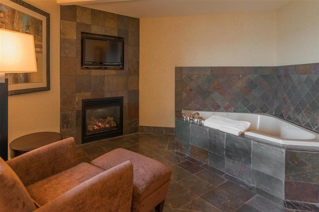 Best Western Astoria Bayfront Hotel - Nuestras habitaciones con balneario son perfectas para una escapada de fin de semana.