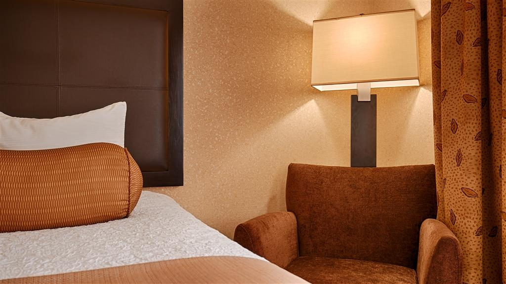 Best Western Astoria Bayfront Hotel - Your comfort is our first priority. In our guest rooms, you will find that and much more.
