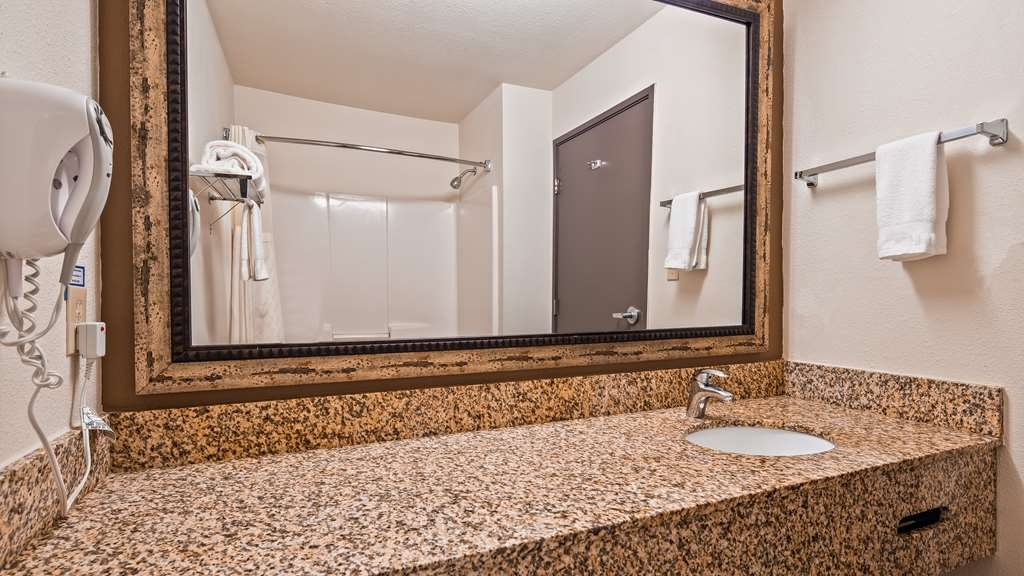 Best Western Woodburn - Enjoy getting ready for the day in our fully equipped guest bathrooms.