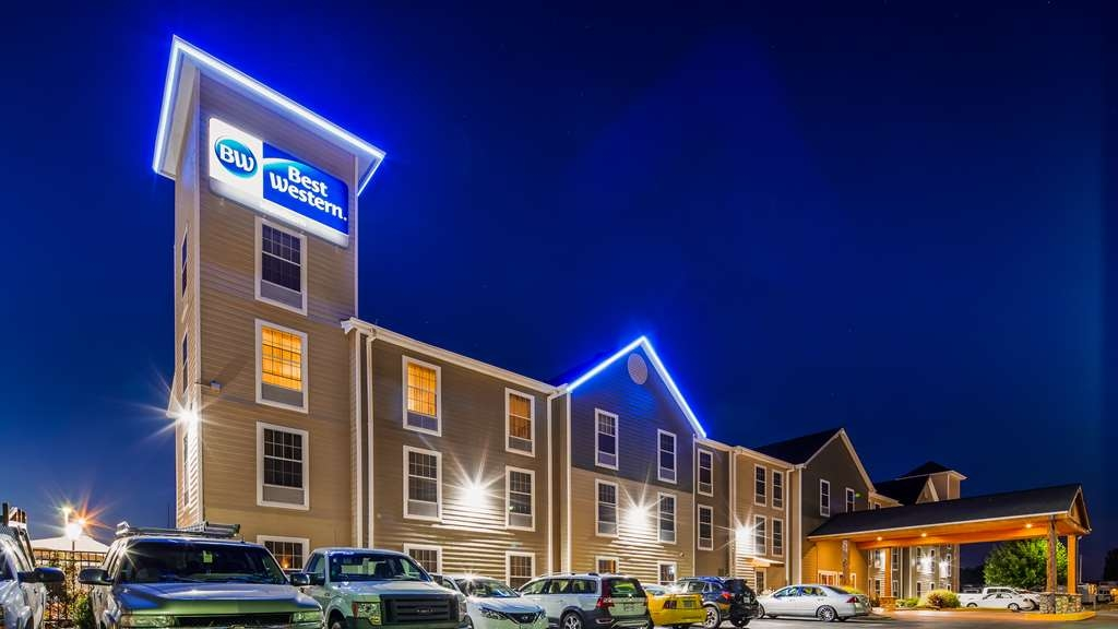 Best Western Woodburn - Facciata dell'albergo
