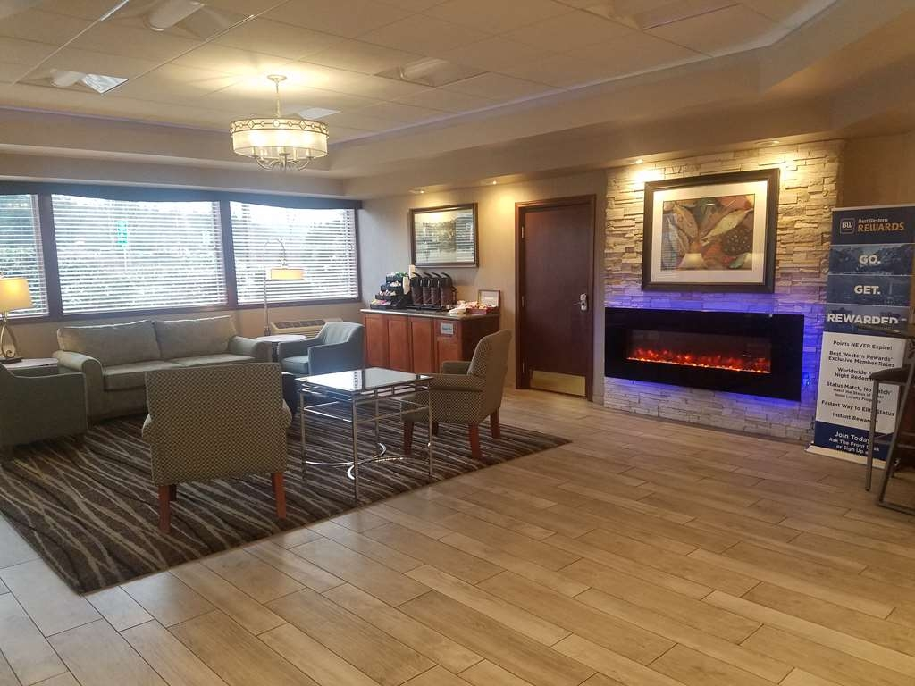 Best Western Plus Rivershore Hotel - Hall