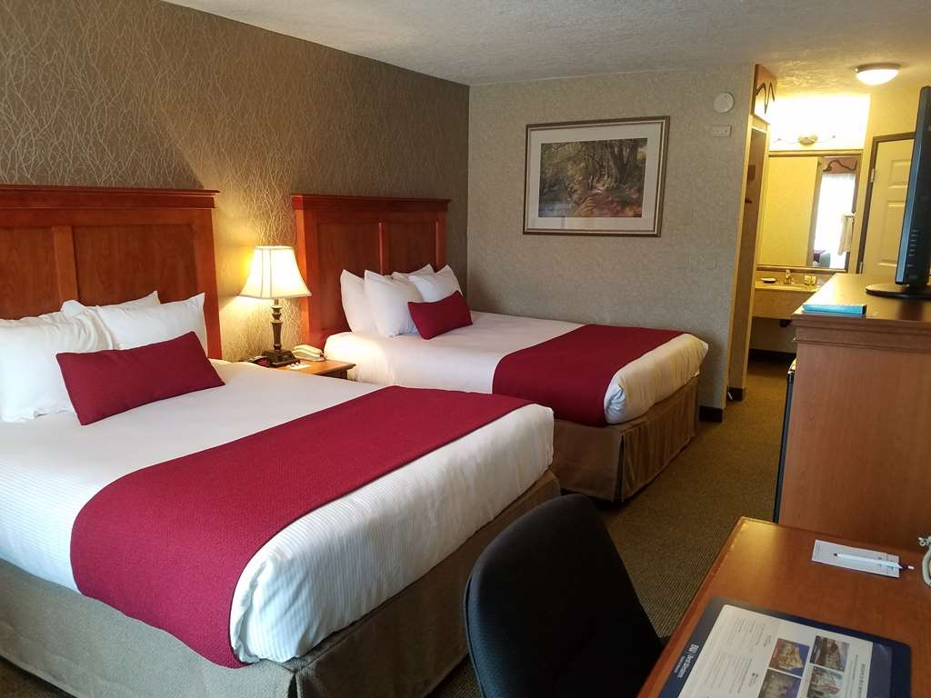 Best Western Plus Rivershore Hotel - Camera con due letti matrimoniali queen size