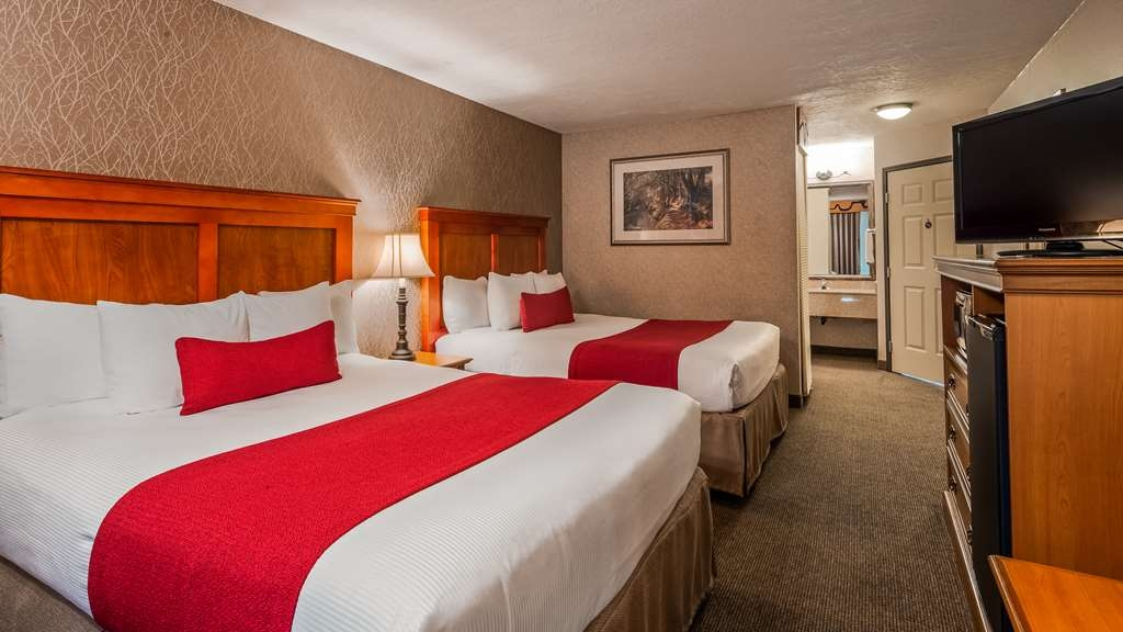 Best Western Plus Rivershore Hotel - Two Queens