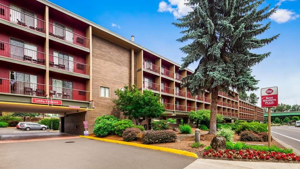 Best Western Plus Rivershore Hotel - Facciata dell'albergo