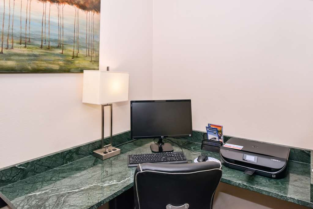 Best Western Cottage Grove Inn - Stop by the business center to stay connected on the road!